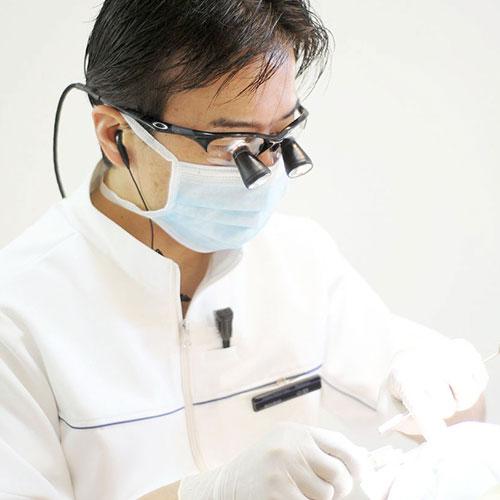 インプラントを使った取り外し式の入れ歯(全1回)